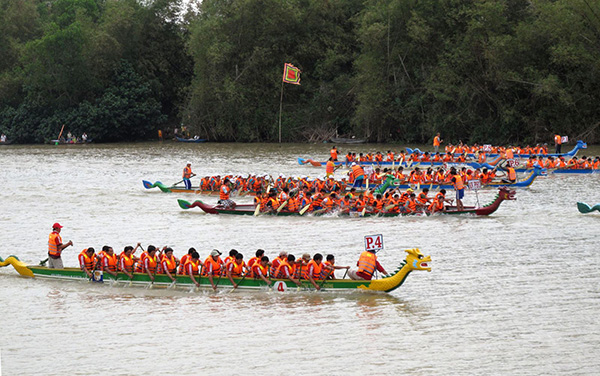 le hoi Boat Racing Festival