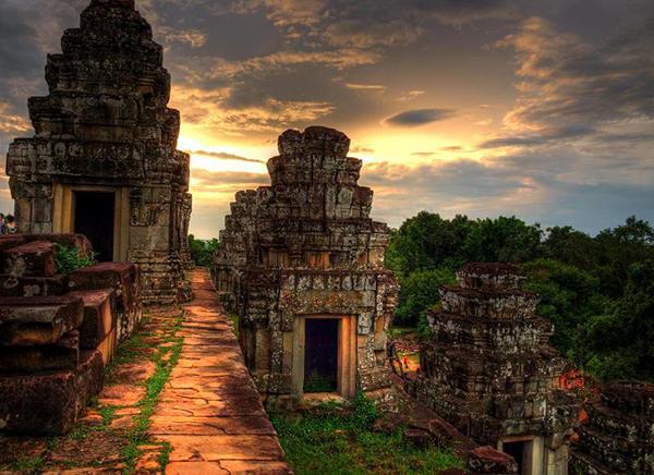 den Phnom bakheng