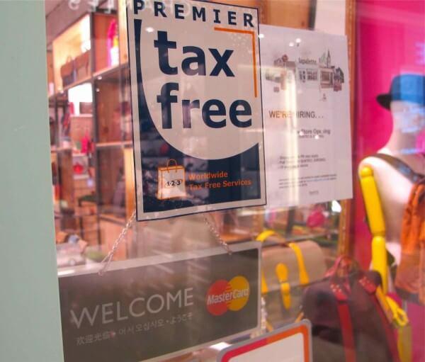 Hoan Thue Khi Mua Sam Tai Singapore bien hieu tax free truoc cua hang