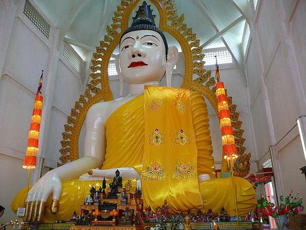 Sakya Muni Buddha Gaya1