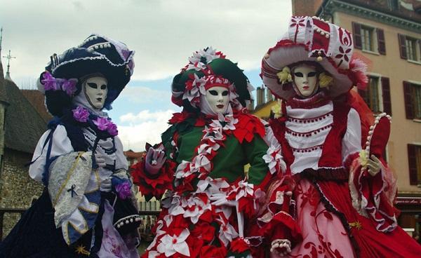 sac mau le hoi Carnaval Annecy