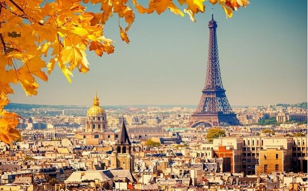thap Eiffel vao mua thu