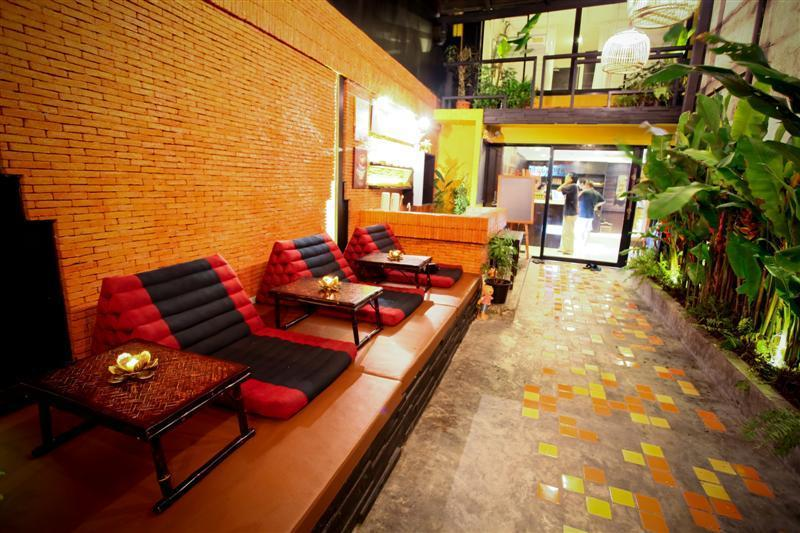 Nappark Hostel Khao San