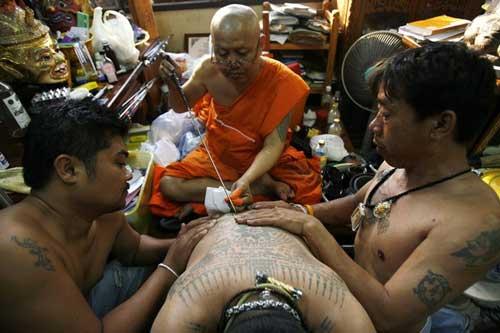 le hoi Wat Phra Bang 3