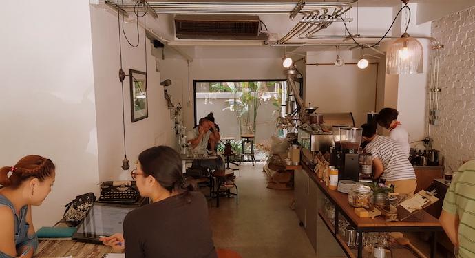 omnia cafe inside the cafe