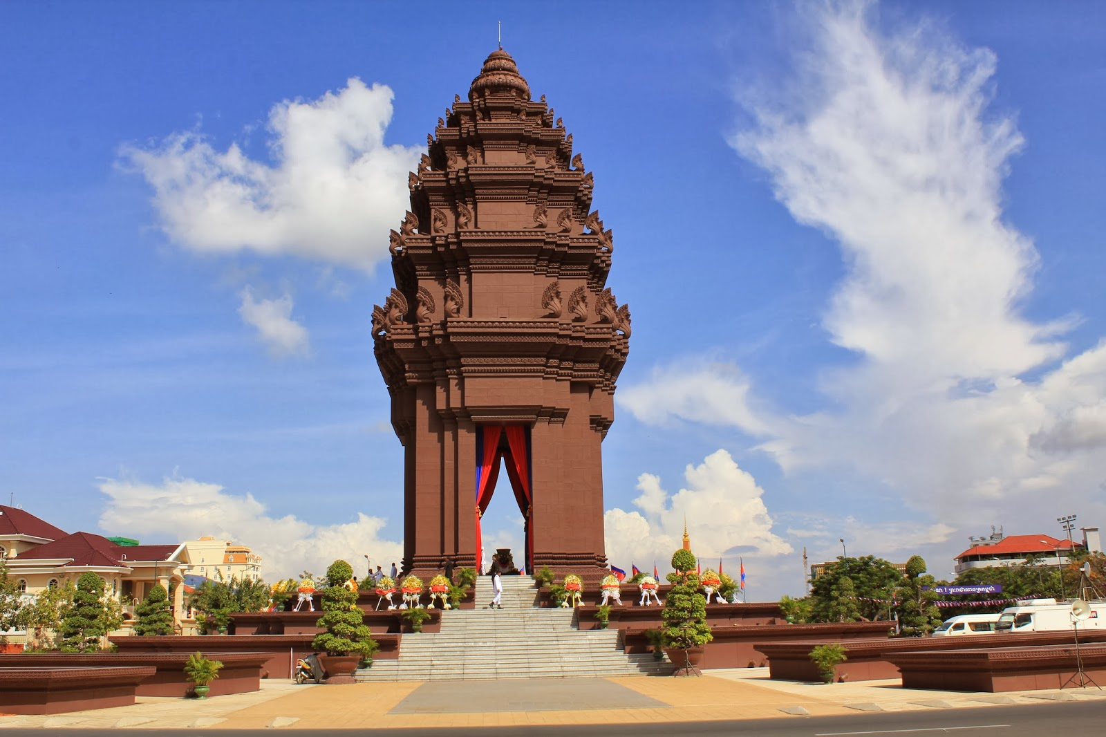 tuong dai doc lap phnom penh