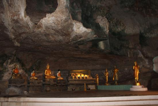 wat suwan kuha cave