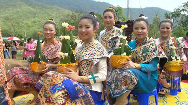 le ruoc nang Chua Xuan cua Lao 1