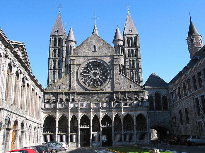 Nha tho Duc Ba Tournai 2