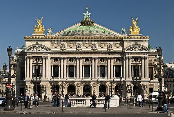 Opera Garnier Opera Bastille 1