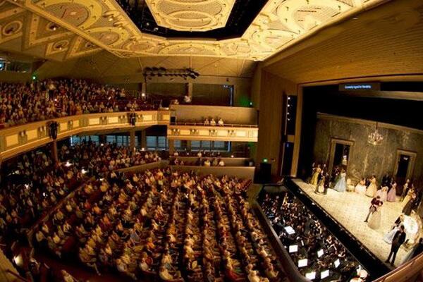 Opera Garnier Opera Bastille 7