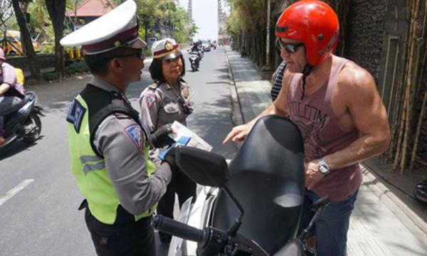 Thai Lan han che xe tu lai vao du lich 2