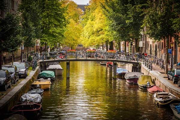 kenh dao o Amsterdam 2
