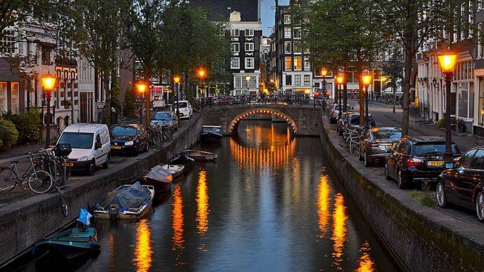 kenh dao o Amsterdam 3