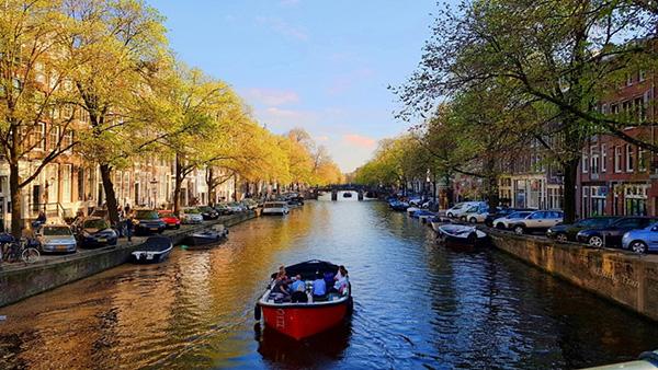 kenh dao o Amsterdam 4