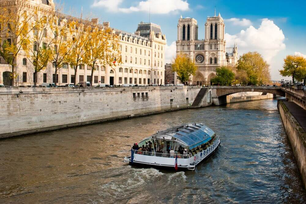 12 sai lam khi du lich Paris 2