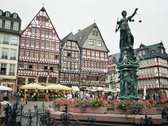 toa thi chinh Frankfurt Duc 2