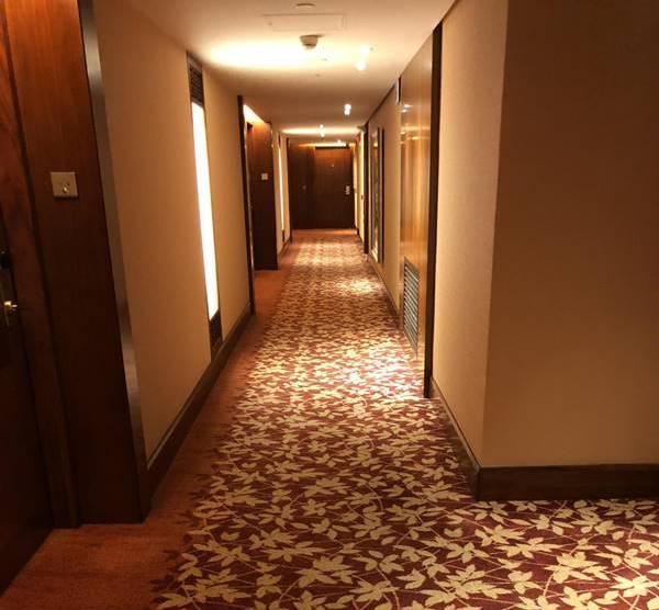 Photo of Lý do không nên ở phòng khách sạn cuối hành lang