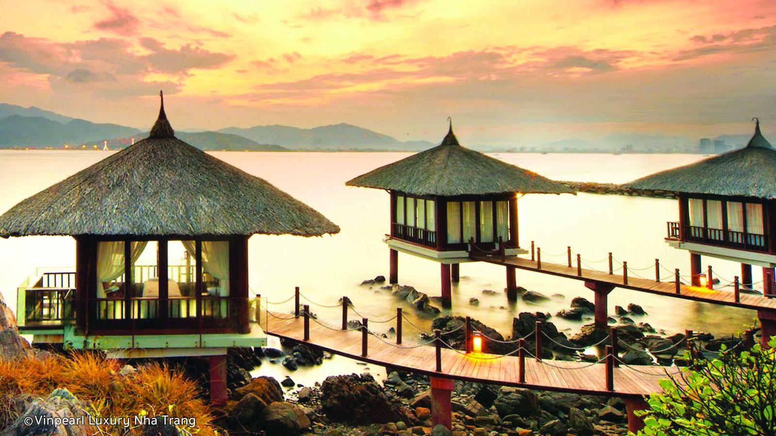 """Photo of Điểm tên 14 khách sạn """"bao trọn view"""" cả một vùng biển xanh ngát tại Nha Trang"""